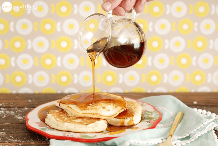 "Homemade ""Shake and Pour"" Pancake Mix!"