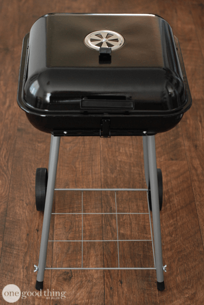 Turn Your Old Charcoal Grill Into A Cooler