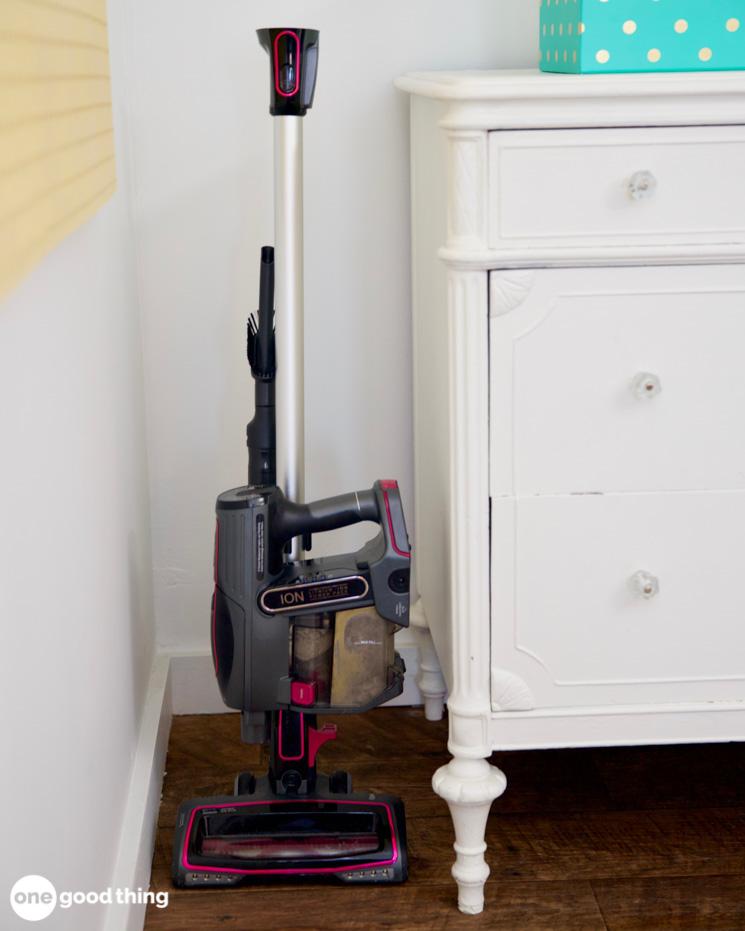 Storing a cordless vacuum