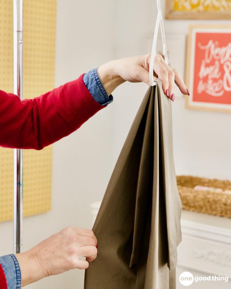 How to hang pants